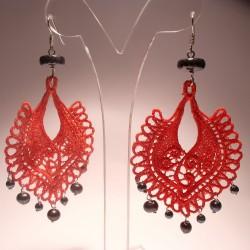 Orecchini chandelier con perle, ematite e ricamo LineaErre