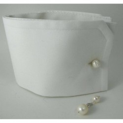 Cufflinks with 1st quality white freshwater pearls in two sizes. Nickel free