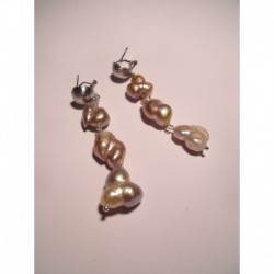 Earrings with baroque pearls