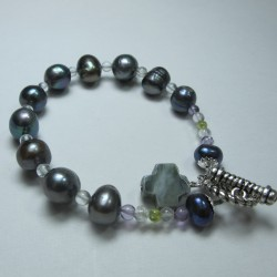 "Bracelet ""Rosario"" with pearls and semi-precious stones"