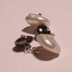 Cufflinks with pearls and hematite