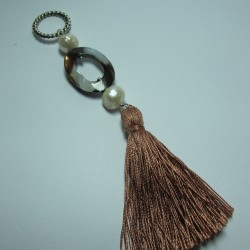 Pendant with tassel, mother of pearl and pearls